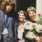 Rita Klímová se synem Vladimírem a dcerou Milenou při její promoci, 1983